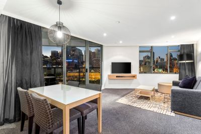 Embrace stunning versatility, undoubted luxury, and some of the best views in Melbourne!
