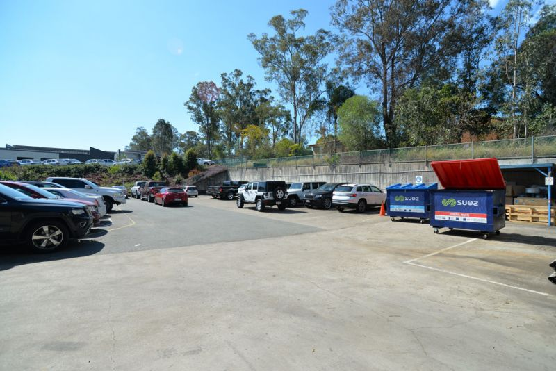 INCOME AND DEVELOPMENT POTENTIAL - LAND 9429M2*