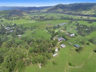 Country Living on over 80,000 m2