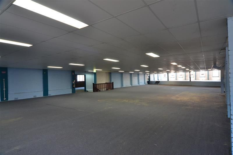 FLEXIBLE RETAIL OR OFFICE SPACE