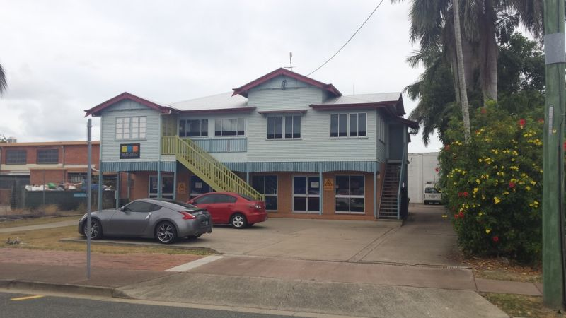CBD PROFESSIONAL OFFICES 205m2 WITH CAR PARK