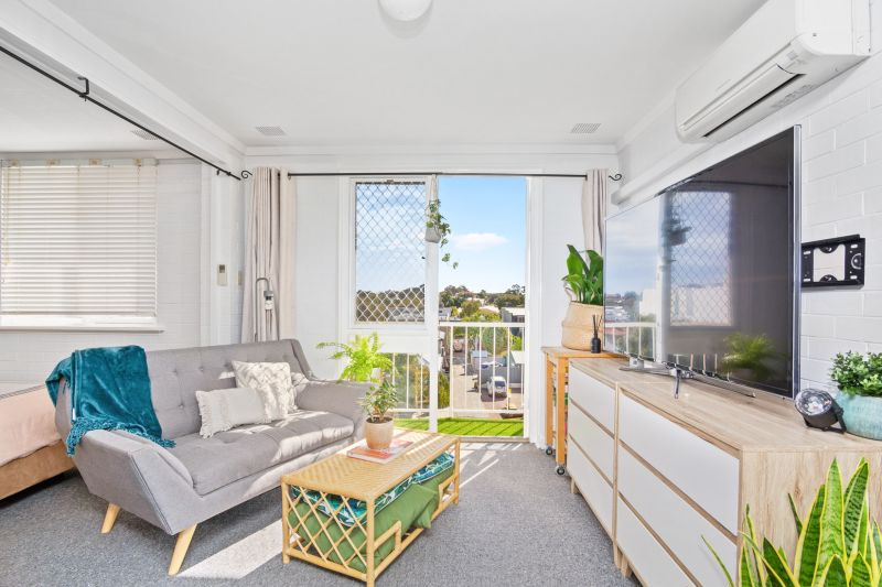 Home open cancelled - Under Offer!  ltra Sharp with a Lifestyle Energy