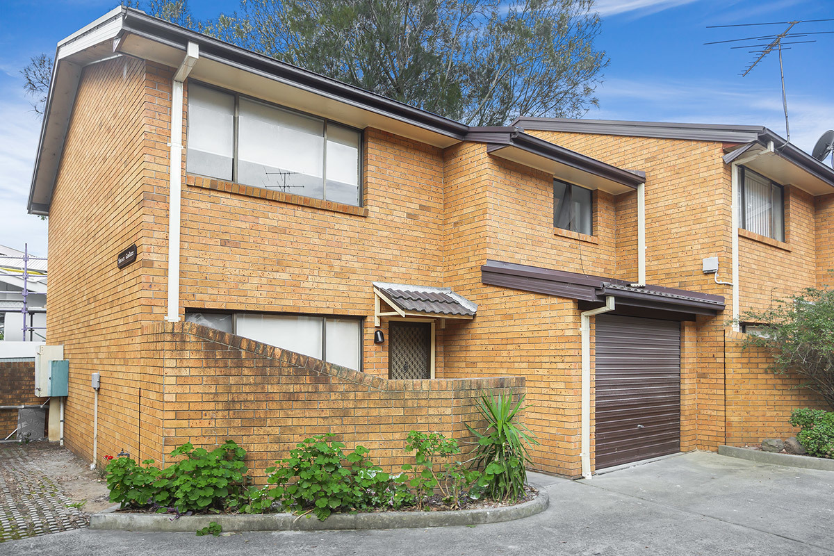 1/2 Eastbourne Road , Homebush West