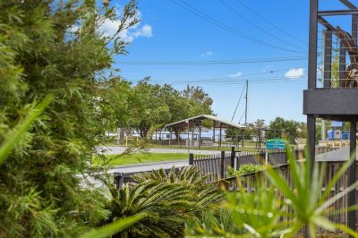 Beach Shack 50 Mtrs to The Broadwater- 6 Month Lease Available