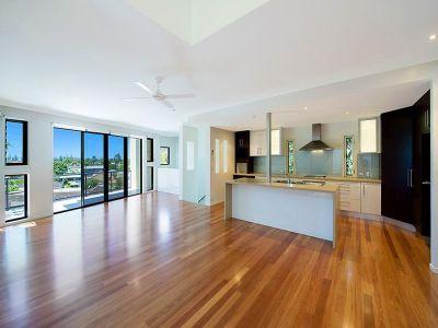 Contemporary Multi Level Home Nestled In Koala Park