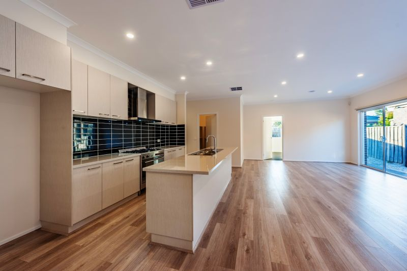 For Sale By Owner: Brookfield, VIC 3338