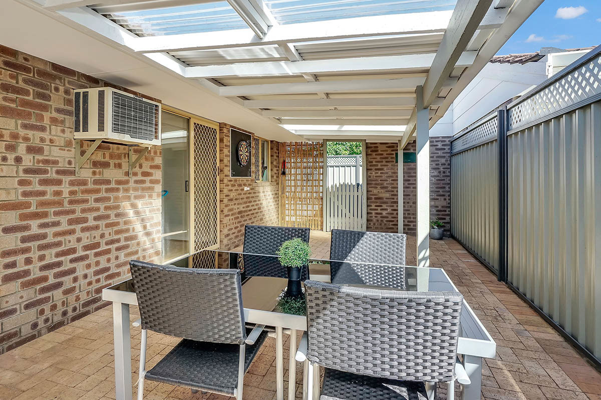 2/202 Crawford Road Inglewood 6052