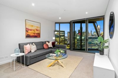 Top Floor One-Bedroom Position Matched With Amazing Water Views