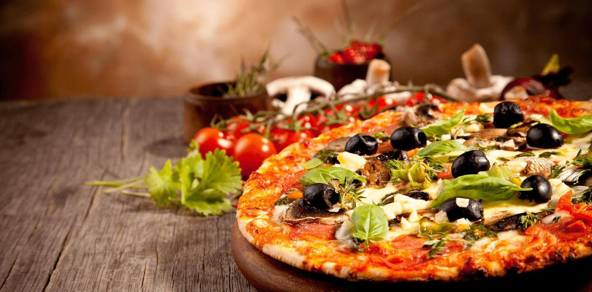 Long running Pizza Restaurant @ main shopping strip in Glen Huntly