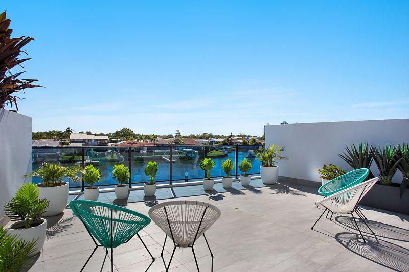 Opulent Broadwater Living