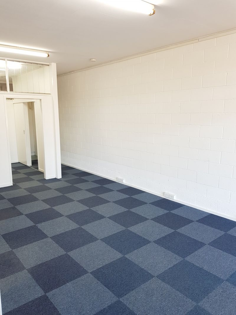 48m2 OFFICE/ RETAIL SPACE ON FERNY WAY