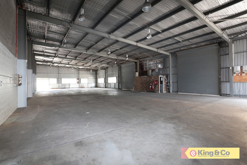QUALITY FREESTANDING WAREHOUSE – FLOOD FREE!