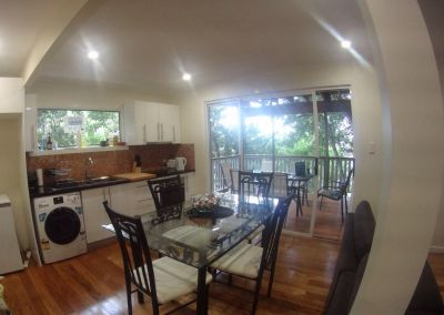 Lovely small 2 bedrooms/2 bathrooms unit on the top of Paddington hill (~3 km from cbd)