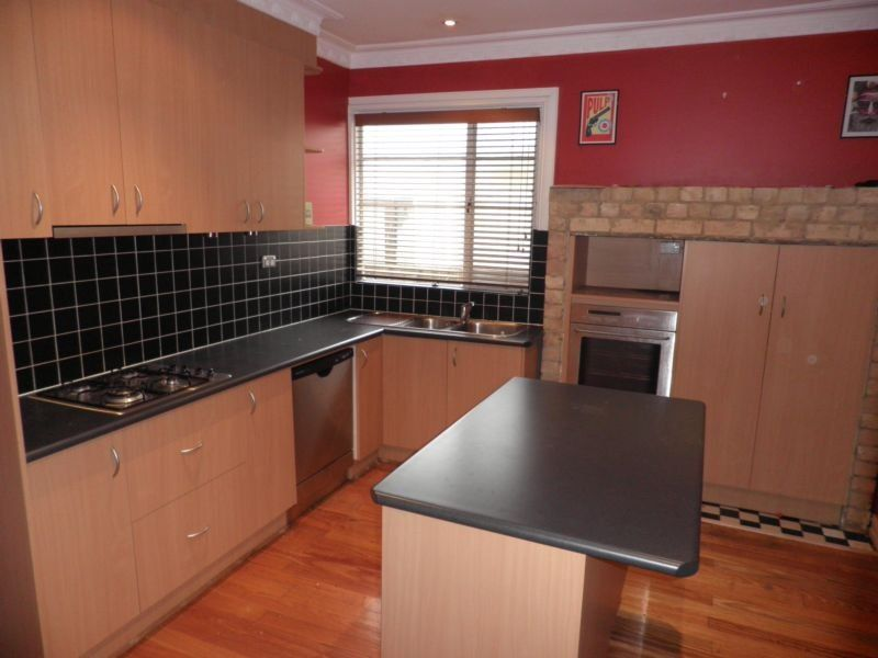 Yarraville 32 Angliss Street
