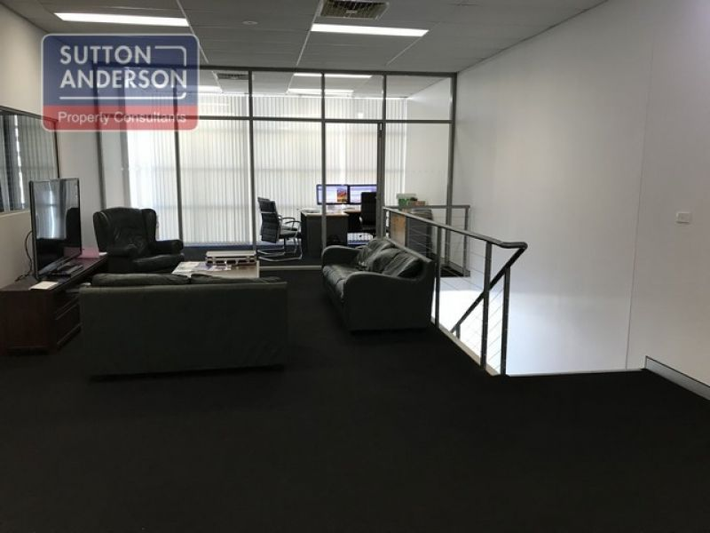 High Clearance Office/Warehouse