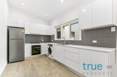= HOLDING DEPOSIT RECEVIED = AS NEW RENOVATED APARTMENT IN THE HEART OF WAREEMBA VILLAGE - VIRTUAL TOUR AVAILABLE