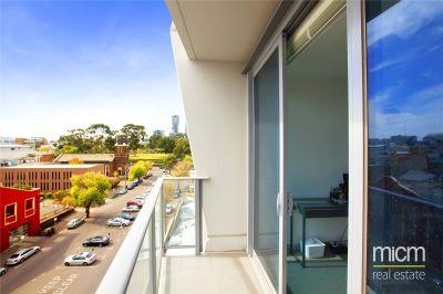 Flagstaff Place: 6th Floor - Whitegoods Included!