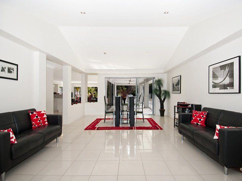 13 Attenuatta Place, Noosaville QLD 4566