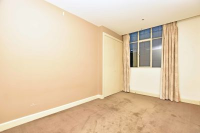 Henty House: Three Bedroom, Two Bathroom Apartment with a Separate Study Room in a Heritage Listed Building!