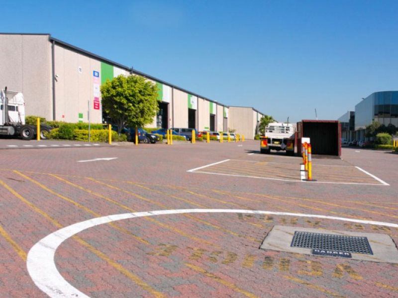Combined Office & Warehouse Unit in Banksmeadow - Inspect Today!