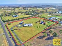 Prestige Rural Living – Exceptional Family Home!