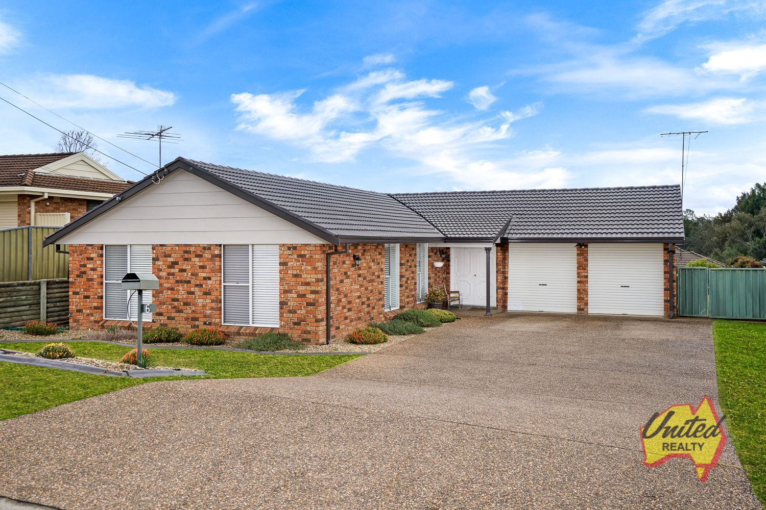 6 Devitt Crescent The Oaks 2570