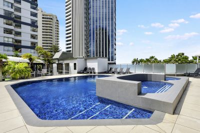 Tri-level townhouse in the heart of Surfers Paradise