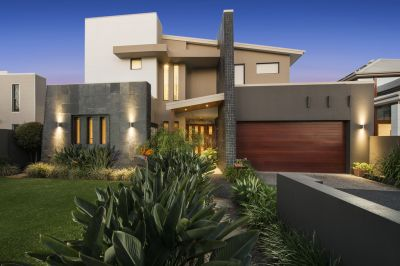 GOLF COURSE FRONTAGE ENHANCES EXCEPTIONAL FAMILY RESIDENCE - UNDER CONTRACT