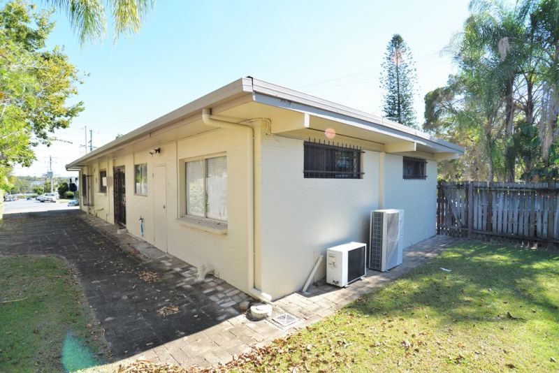 Freestanding Office In The Heart Of Springwood