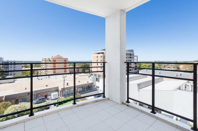 MODERN NORTH FACING TWO BEDROOM APARTMENT