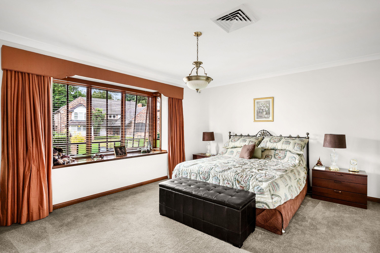 31 Sandhurst Crescent, Glenhaven NSW 2156