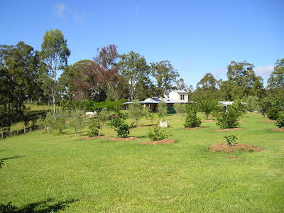 Farm: Water, Fruit, Health, Veg, Acquaculture, Cattle, Health, Retreat or Sustainable Family LIfestyle Flexible Accommodation