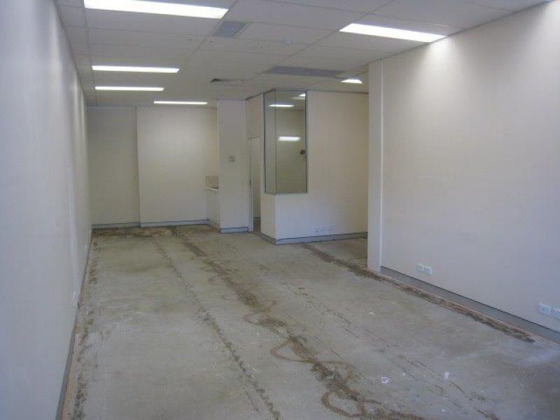 Quasi Retail  Office Space - LOADS OF USES