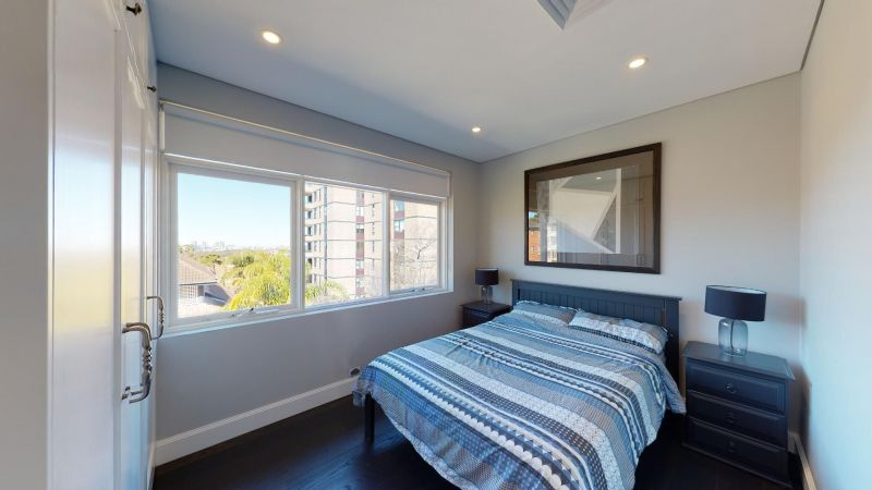 For Sale By Owner: 11/1 Milner crescent, Wollstonecraft, NSW 2065