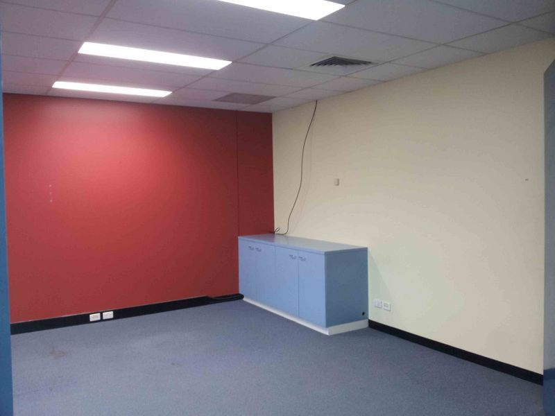 BURPENGARY PLAZA COMPLEX - OFFICES
