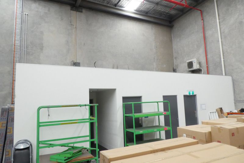 1,595m2* Warehouse At Competitive Price