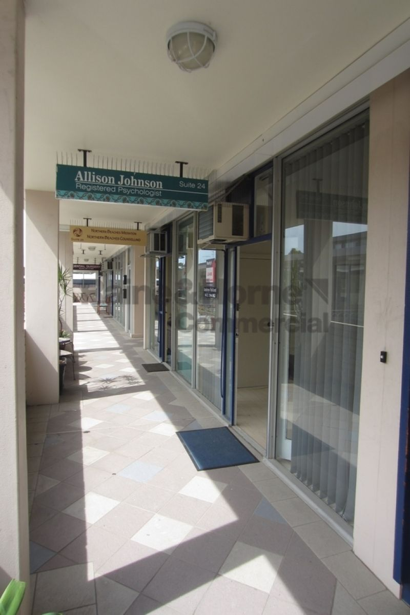 Come & Work in Waratah Court! Great Naturally Lit Office with A/C