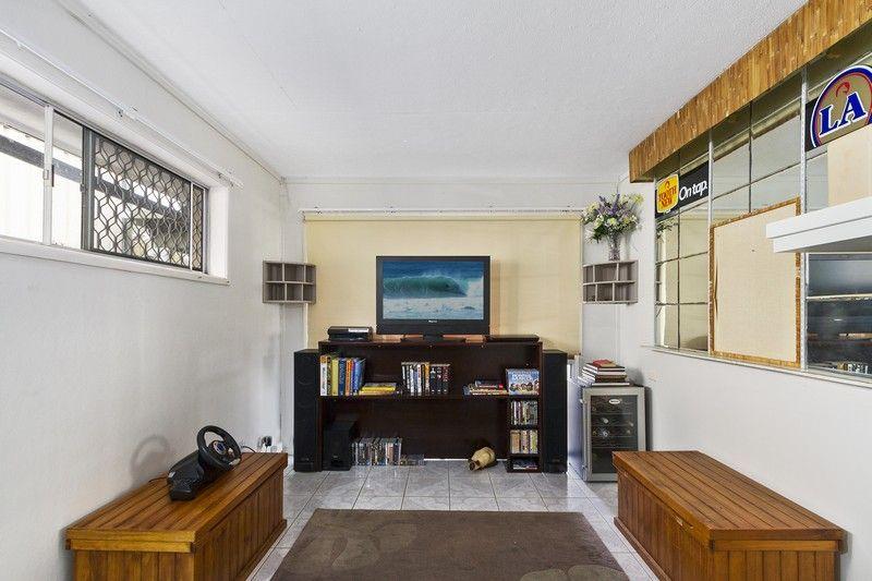 6 Van Dieman Crescent, Springwood
