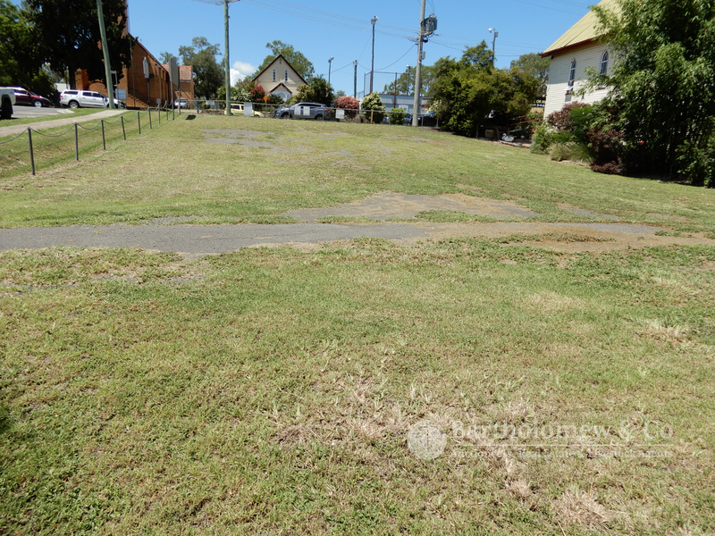 Potential plus for this 809m2 site on a corner block in the CBD of Boonah.