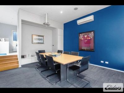 CHARACTER OFFICE JUST 1KM FROM THE CBD