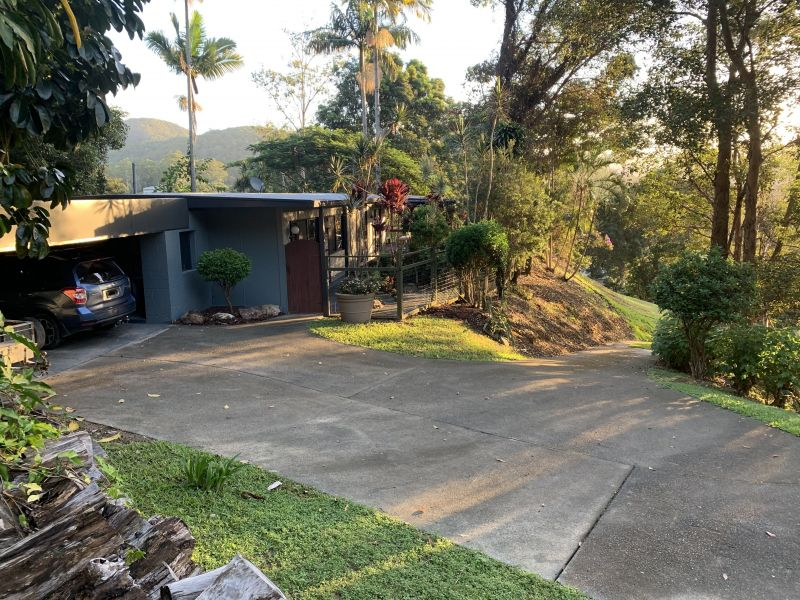 For Sale By Owner: Tallebudgera Valley, QLD 4228