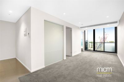 Southbank Grand: Spacious Two Bedroom with Fantastic Building Facilities!