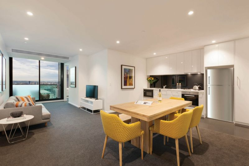 Australis: 35th Floor - Spacious Living Areas! 6-Month Lease!