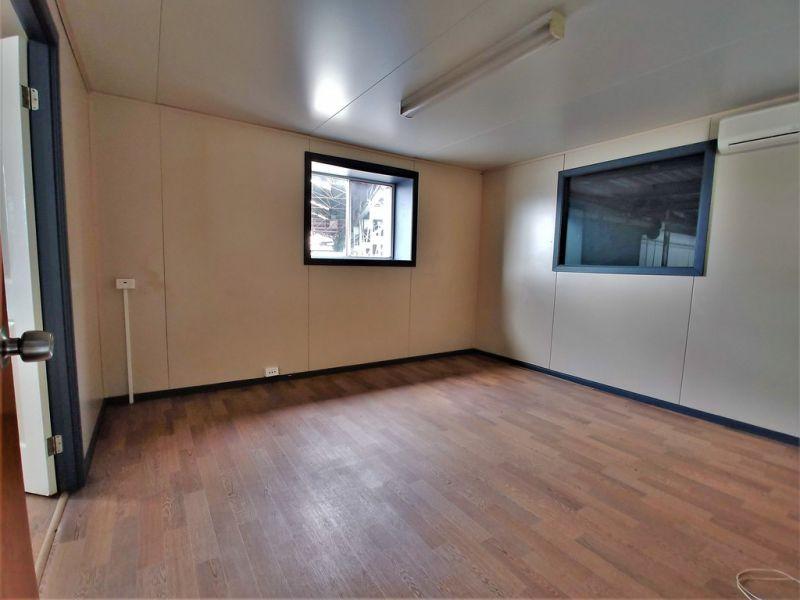 473m2* MOOROOKA OFFICE / WAREHOUSE