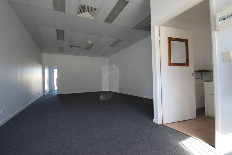 70sqm* Commercial Premises not to be Missed