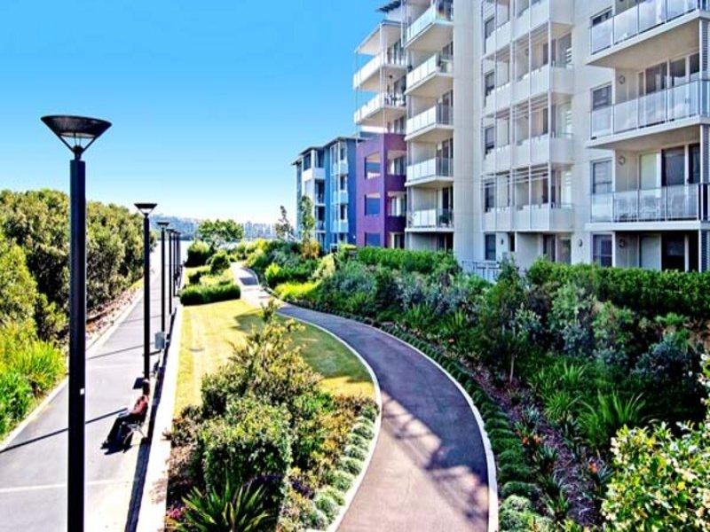2 Shoreline Drive, Rhodes