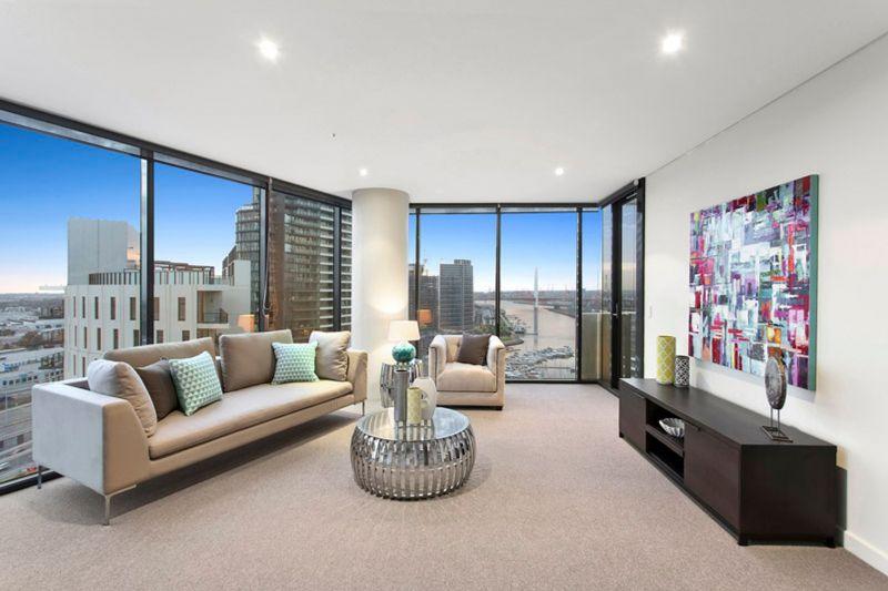 Large 2 bedroom on Yarra's Edge