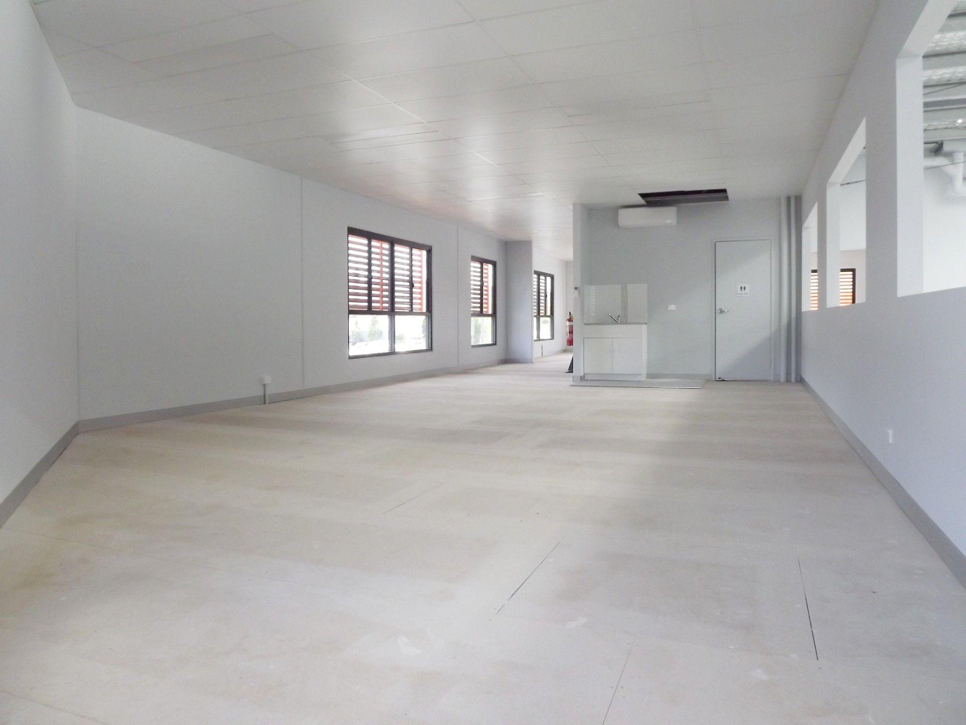 500M²* BRAND NEW TILT PANEL OFFICE/WAREHOUSE