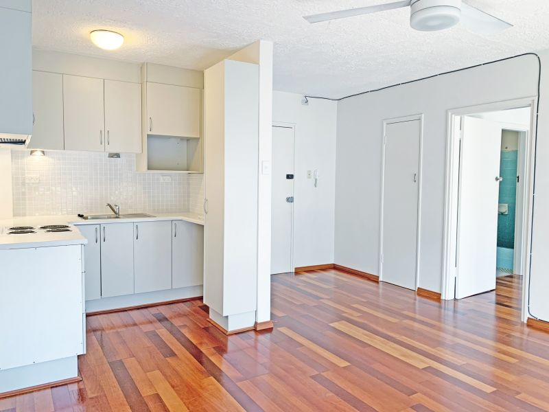 CALL MARK ON 0438 241 328 TO BOOK AN INSPECTION Generously sized one bedroom apartment with balcony and wooden floorboards throughout!