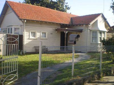 Family home right in the heart of the Yarraville Villiage